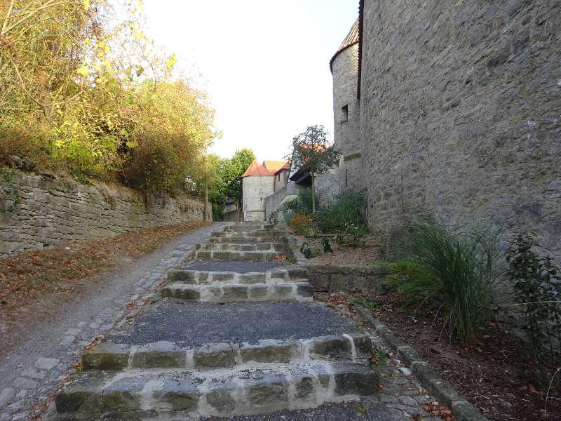 An der Stadtmauer enlang in Dettelbach