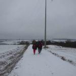Wanderung im Schnee nach Hausen