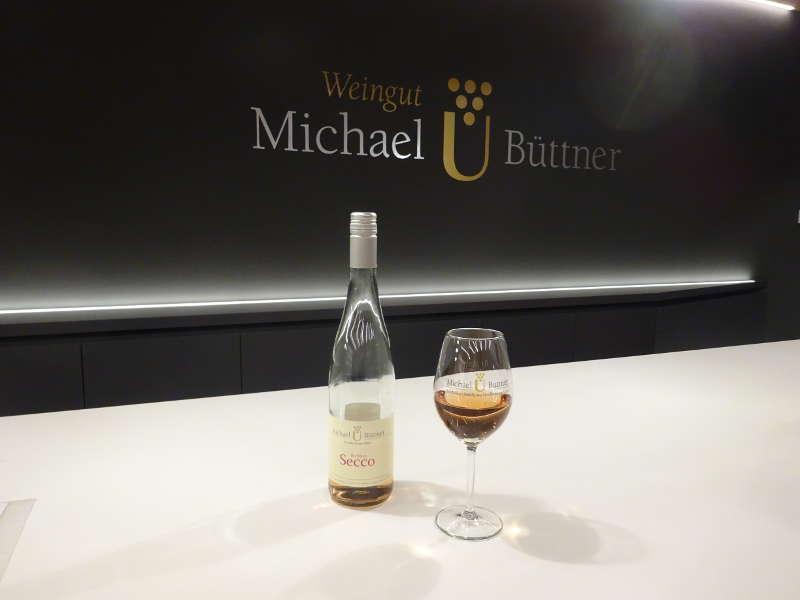 Secco Probe im Weingut Michael Büttner