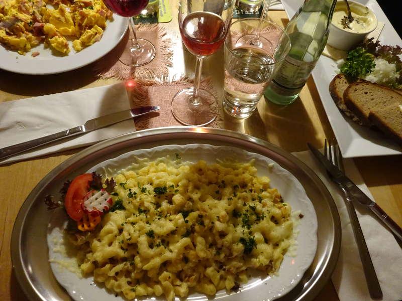 Käsespätzle Singles gemeinsam Abendessen Vollmondwanderung Gifthütte Mainaussicht Volkach Mainschleife