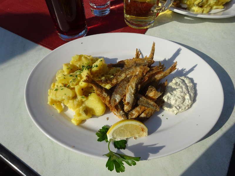 Singlewanderung Einkehr Mittagessen Meefischli in Veitshöchheim