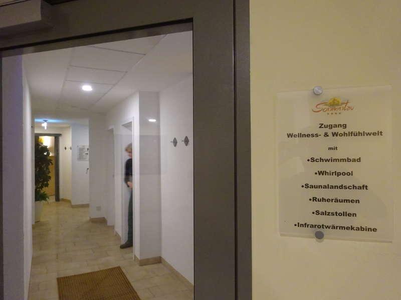 Sauna nach Singlewanderung Rhön Unterfranken Sonnentau Hotel genießen Wandern Singleaktivität