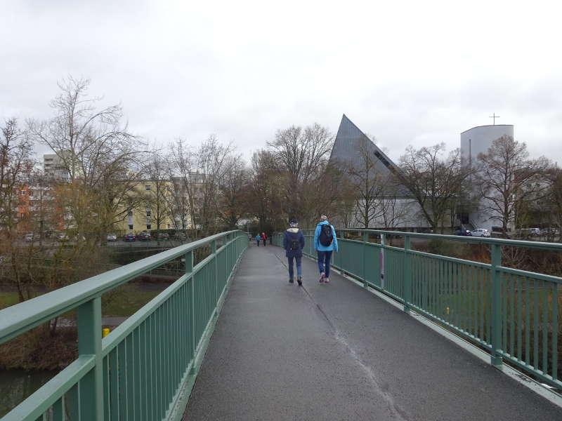 Sebastina-Kneipp-Steg über den Main in Würzburg auf Singlesgemeinsam Wanderung in Unterfranken